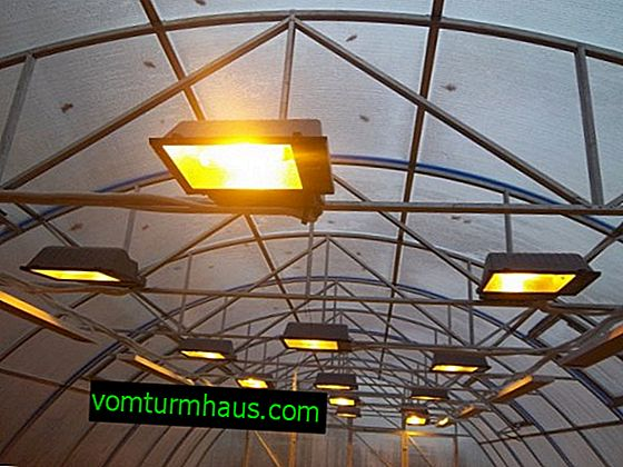 How to make a lamp for a polycarbonate greenhouse?