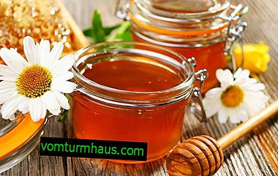What vitamins are found in honey?