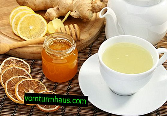 The benefits and harms of honey water in the morning on an empty stomach for the body