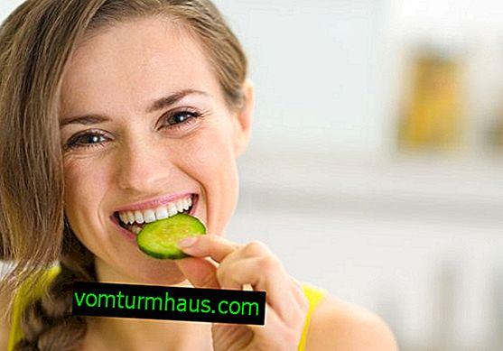 Gurkas fördelar och skador för kvinnors hälsa