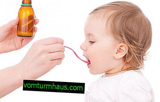 Rosehip sirup til børn i forskellige aldersgrupper